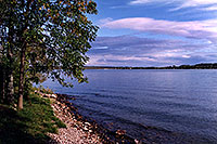 /images/133/1998-09-kawartha-lake1.jpg - 00144: Kawartha lake … Sept 1998 -- Kawartha, Ontario.Canada