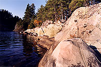 /images/133/1998-10-tema-anima-rock-sho.jpg - #00158: Anima Nipissing Lake … Oct 1998 -- Anima Nipissing Lake, Temagami, Ontario.Canada