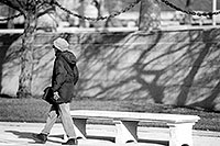 /images/133/1998-11-chicago-bench-bw.jpg - #00165: People in  Chicago … Nov 1998 -- Chicago, Illinois