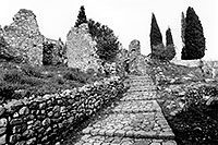 /images/133/1998-12-greece-castle-bw1.jpg - #00196: Castle near Sparti … Dec 1998 -- Sparti, Greece