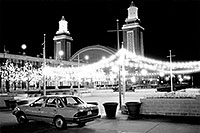 /images/133/1998-12-navy-pier-tempo-bw.jpg - #00215: my Ford Tempo at Navy Pier in December … Dec 1998 -- Chicago, Illinois