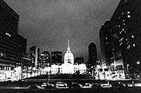 /images/133/1999-02-st-louis-bw4.jpg - #00275: St Louis at night … Feb 1999 -- St Louis, Missouri