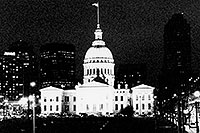 /images/133/1999-02-st-louis-bw5.jpg - #00271: St Louis at night … Feb 1999 -- St Louis, Missouri
