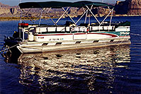 /images/133/1999-08-lake-powell-boat.jpg - #00341: Houseboat at Lone Rock … Dec 1999 -- Lone Rock, Lake Powell, Utah