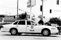 /images/133/1999-08-phoenix-police-bw.jpg - #00358: Police at work on a Phoenix midday  … August 1999 -- Phoenix, Arizona