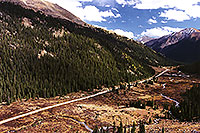/images/133/1999-09-indep-twin-side.jpg - #00398: road from Twin Lakes to Independence Pass … Sept 1999 -- Twin Lakes, Independence Pass, Colorado
