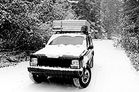 /images/133/1999-09-jeep-snow-bw.jpg - #00402: camping near Independence Pass … Sept 1999 -- Independence Pass, Colorado