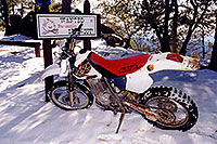 /images/133/2000-04-xr-crown-king-snow2.jpg - #00486: my Honda XR400 near Crown King … April 2000 -- Crown King, Arizona