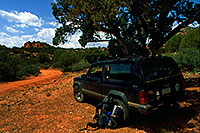 /images/133/2000-08-sedona-syca-jeep.jpg - 00594: Dogie Trail in Sycamore Canyon … August 2000 -- Sedona, Arizona