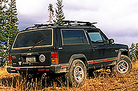 /images/133/2000-09-colo-aspen-jeep.jpg - #00634: my Cherokee at Aspen mountain … after a super-steep uphill and nearly tipping … Sept 2000 -- Aspen, Colorado