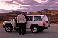 /images/133/2000-09-indep-jeep-sheriff.jpg - #00658: Pitkin County Sheriff at top of Independence Pass … Sept 2000 -- Independence Pass, Colorado