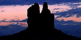 /images/133/2000-09-mexican-hat-blue-pano.jpg - #00669: sunrise near Mexican Hat, Utah … Sept 2000 -- Mexican Hat, Utah