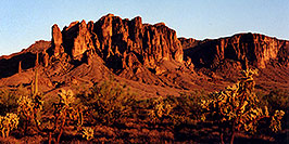 /images/133/2000-09-supersti-classic2-pano.jpg - #00675: Superstition Mountains near sunset … Sept 2000 -- Superstitions, Arizona