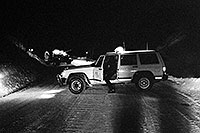 /images/133/2000-12-phx-tor-4runner2.jpg - #00712: Sheriff`s Jeep blocking road …  Pulling out Toyota 4runner from the river at midnight … Dec 2000 -- Castle Creek Road, Aspen, Colorado