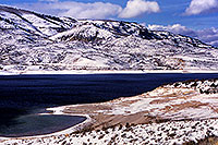 /images/133/2000-12-phx-tor-gunn-lk1.jpg - #00712: lake by Gunnison … Phoenix-Toronto 3,500 mile snow-camping trip … Dec 2000 -- Morrow Point Reservoir, Gunnison, Colorado