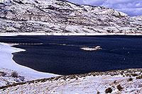 /images/133/2000-12-phx-tor-gunn-lk2.jpg - #00721: lake by Gunnison … Phoenix-Toronto 3,500 mile snow-camping trip … Dec 2000 -- Morrow Point Reservoir, Gunnison, Colorado