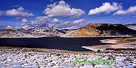 /images/133/2000-12-phx-tor-gunn-lk4-pano.jpg - #00724: lake by Gunnison … Phoenix-Toronto 3,500 mile snow-camping trip … Dec 2000 -- Morrow Point Reservoir, Gunnison, Colorado