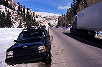 /images/133/2000-12-phx-tor-jeep-park.jpg - #00728: not stuck :-) just parked  … Phoenix-Toronto 3,500 mile snow-camping trip … Dec 2000 -- Gunnison, Colorado