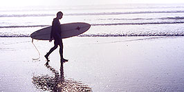 /images/133/2001-03-cali-hunti-fog-surfer-pano.jpg - #00772: Surfer at Huntington Beach … Feb 2001 -- Huntington Beach, California
