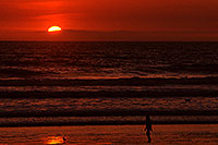 /images/133/2001-03-cali-sunset-bird.jpg - #00778: Sunset at Huntington Beach … March 2001 -- Huntington Beach, California