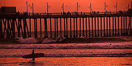 /images/133/2001-03-cali-sunset-surfer-pano.jpg - #00780: Sunset at Huntington Beach ?~@? March 2001 -- Huntington Beach, California
