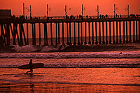 /images/133/2001-03-cali-sunset-surfer.jpg - #00771: Sunset at Huntington Beach … March 2001 -- Huntington Beach, California