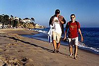 /images/133/2001-07-cali-dana-pj-martin.jpg - #00805: Peter & Martin at Aliso Creek Beach at Laguna Beach … July 2001 -- Aliso Creek Beach, Laguna Beach, California