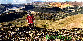 /images/133/2001-07-leadville-kyle-top-pano.jpg - #00841: Kyle … almost at 12,500ft top … July 2001 -- Chalk Mountain, Leadville, Colorado