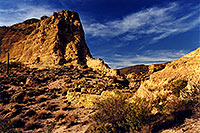 /images/133/2001-09-supersti-rocks-suns.jpg - #00903: Reavis Ranch Trail … Sept 2001 -- Superstitions, Arizona