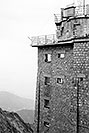 /images/133/2002-08-lomnicky-vert-bw5-v.jpg - #01081: building at top of  Lomnicky Stit … August 2002 -- Lomnicky Stit, Vysoke Tatry, Slovakia