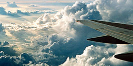 /images/133/2002-08-phoenix-atlanta-wing1-pano.jpg - #01099: somewhere (maybe Kansas) between Atlanta and Toronto … August 2002 -- Kansas