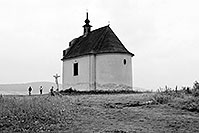 /images/133/2002-08-spissky-church-bw.jpg - #01112: An old church near Spissky Hrad … August 2002 -- Spissky Hrad, Slovakia