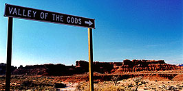 /images/133/2003-11-moab-vofgods.jpg - #01345: Valley of the Gods … Nov 2003 -- Moab, Utah