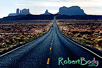 /images/133/2003-11-monvalley1.jpg - #01346: road to Monument Valley … Nov 2003 -- Monument Valley, Utah