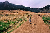 /images/133/2004-04-boulder-girl-running.jpg - #01418: hiking trail in Boulder … March 2004 -- Boulder, Colorado