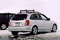 /images/133/2004-04-loveland-dog-car.jpg - #01459: Loveland Pass … April 2004 -- Loveland Pass, Colorado