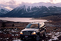 /images/133/2004-04-twinlakes-jeep.jpg - 01477: Evening at Twin Lakes … April 2004 -- Twin Lakes, Colorado