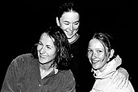 /images/133/2004-07-grand-3-bw5.jpg - #01684: Ola, Ewka and Aneta … July 2004 -- Navajo Point, Grand Canyon, Arizona