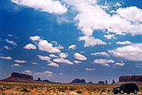 /images/133/2004-07-monvalley-1.jpg - 01714: images of Monument Valley … July 2004 -- Monument Valley, Utah