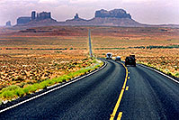 /images/133/2004-07-monvalley-3.jpg - #01743: road to Monument Valley … July 2004 -- Monument Valley, Utah
