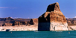 /images/133/2004-07-powell-lake-lone-rock-pano.jpg - #01762: Lone Rock, Lake Powell, Utah … July 2004 -- Lone Rock, Lake Powell, Utah