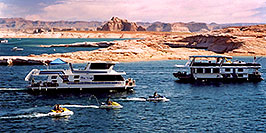 /images/133/2004-07-powell2-boats4-pano.jpg - #01750: boats by Wahweap … Lake Powell … July 2004 -- Wahweap, Lake Powell, Utah
