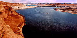 /images/133/2004-07-powell2-waheep3-pano.jpg - #01775: images of Wahweap and Lake Powell … July 2004 -- Wahweap, Lake Powell, Utah