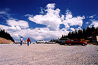 /images/133/2004-08-verde-monarch-pass1.jpg - #01987: Ewka and Aneta at Monarch Pass … August 2004 -- Monarch Pass, Colorado