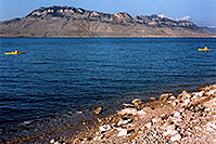 /images/133/2004-08-wyo-cody-lake4.jpg - #02009: morning kayakers at Buffalo Bill Reservoir … August 2004 -- Buffalo Bill Reservoir, Cody, Wyoming
