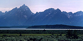 /images/133/2004-08-wyo-tetons-w.jpg - #02026: Images of Grand Teton National Park … August 2004 -- Tetons, Wyoming