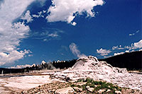 /images/133/2004-08-yello-geyser12.jpg - #02062: Geyser near Old Faithful … August 2004 -- Yellowstone, Wyoming