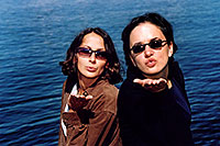 /images/133/2004-08-yello-lake5.jpg - #02070: Ola & Ewka by Yellowstone Lake … August 2004 -- Yellowstone, Wyoming