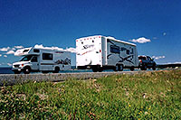 /images/133/2004-08-yello-rv2.jpg - #02079: motorhomes with Yellowstone Lake in the background … August 2004 -- Yellowstone, Wyoming