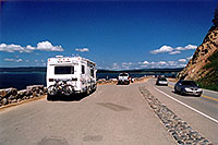 /images/133/2004-08-yello-tourists4.jpg - #02083: Yellowstone Lake … August 2004 -- Yellowstone, Wyoming